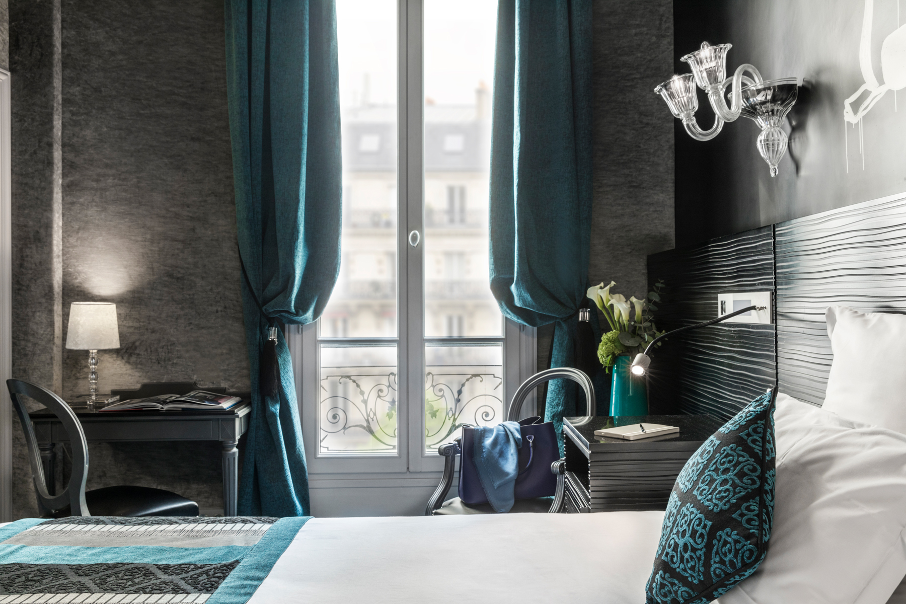 101/Champs Elysees/Chambres/PAGE CHAMBRE - SECTION 3 - CHAMBRE DELUXE 3.jpg