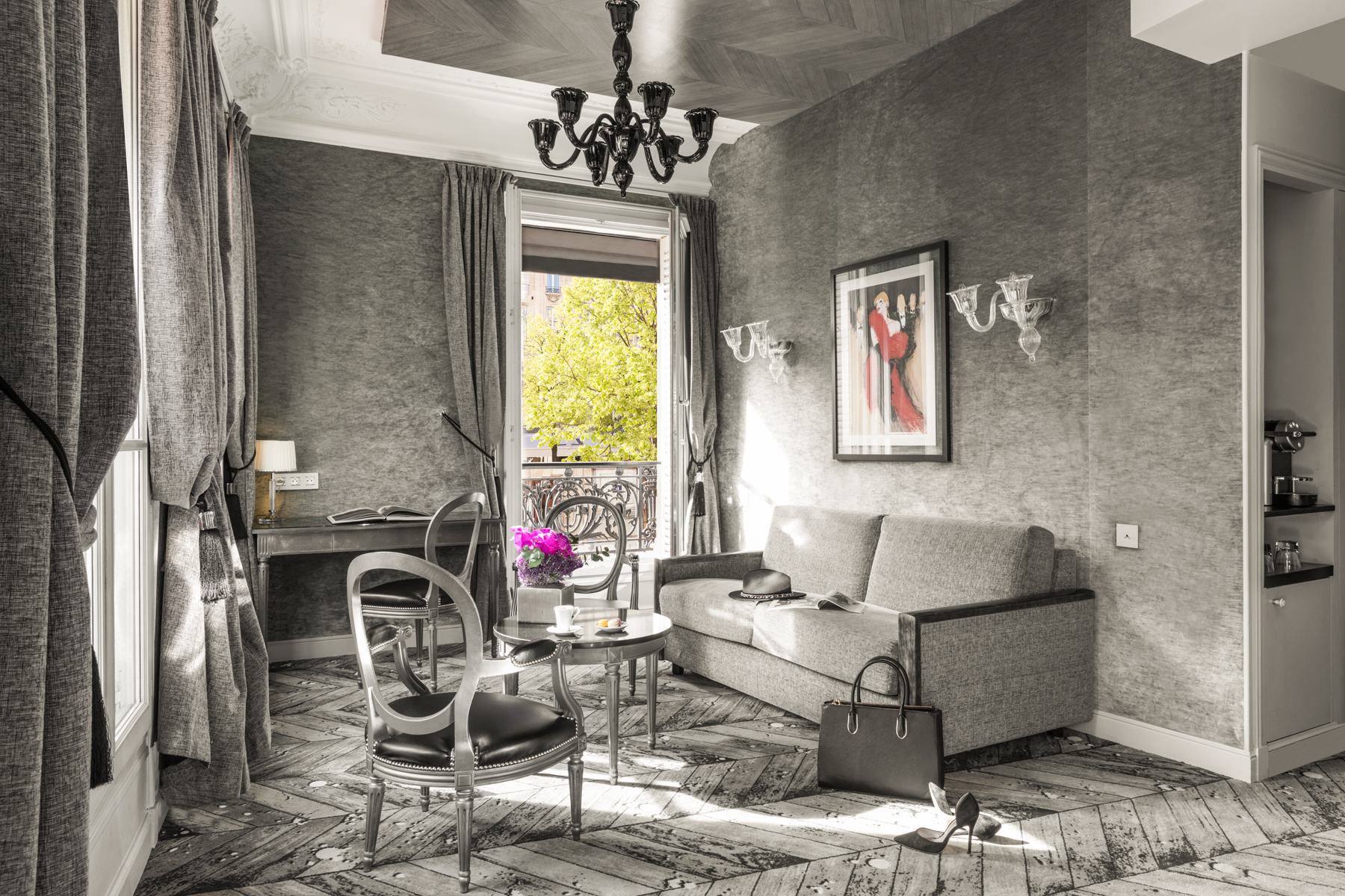 Maison Albar Hotels Le Champs-Elysées Junior Suite with a view on the arc de Triomphe
